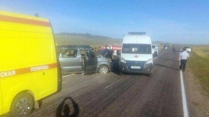 ВТуве перевернулся микроавтобус— погиб 5-летний ребёнок