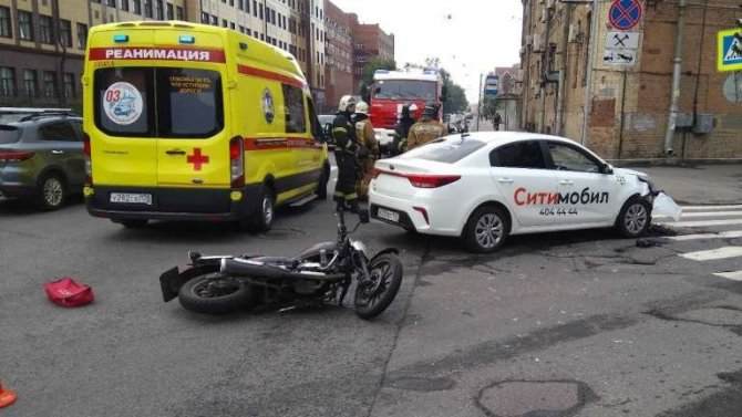 Мотоциклист пострадал в ДТП в Выборгском районе Петербурга