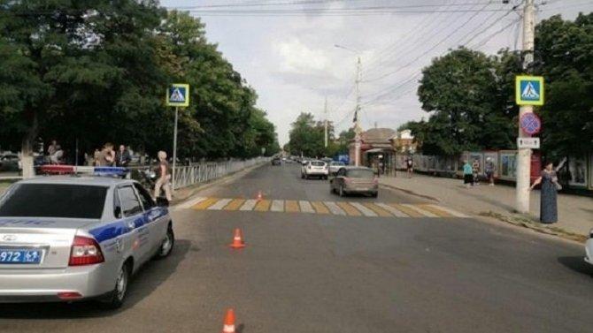 В Новочеркасске мотоциклист сбил пешехода на переходе
