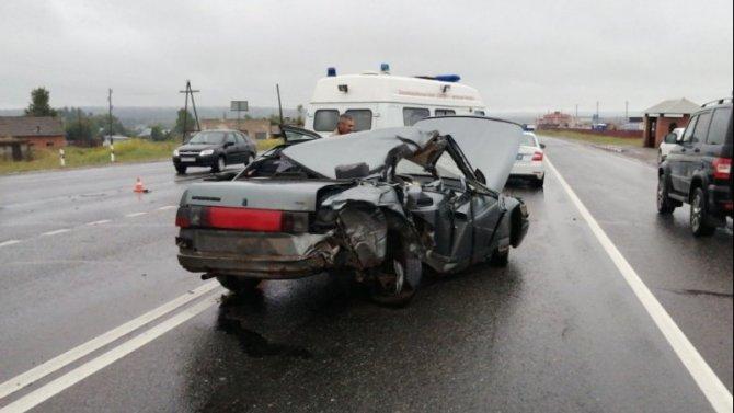 В Удмуртии в ДТП с грузовиком погибла пассажирка ВАЗа