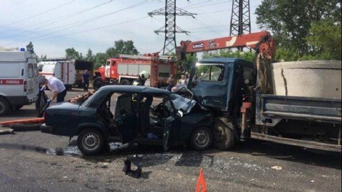 В ДТП на Туполева в Твери погиб водитель ВАЗа