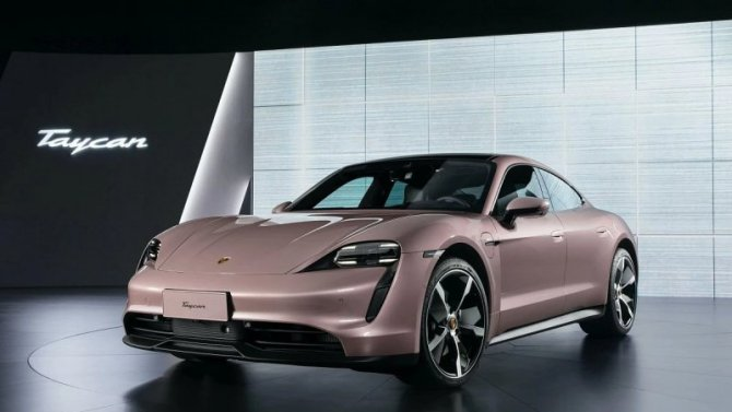 Представлена базовая версия электромобиля Porsche Taycan