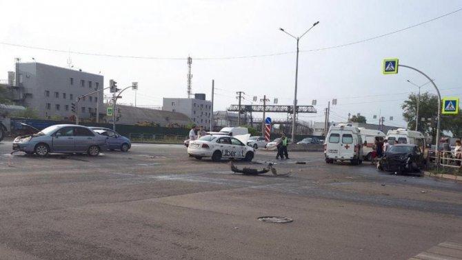 В Челябинске в ДТП пострадали женщина и подросток