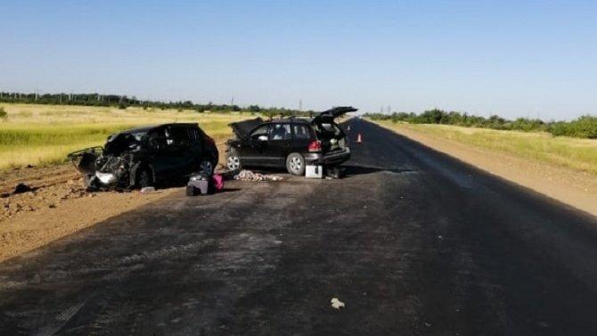 Женщина и ребенок погибли в ДТП под Волгоградом