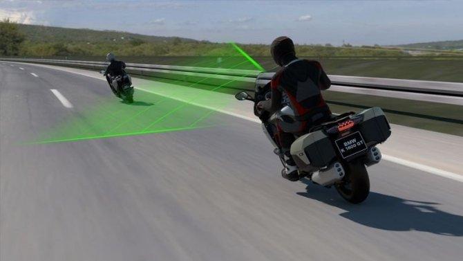 Мотоциклы BMW получат активный круиз-контроль