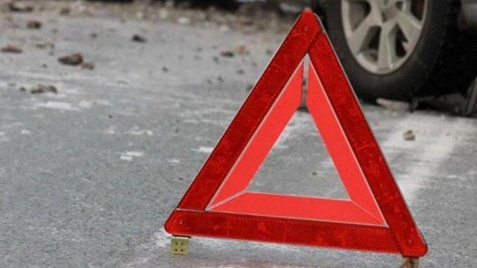 В Твери водитель иномарки сбил пешеходов и скрылся