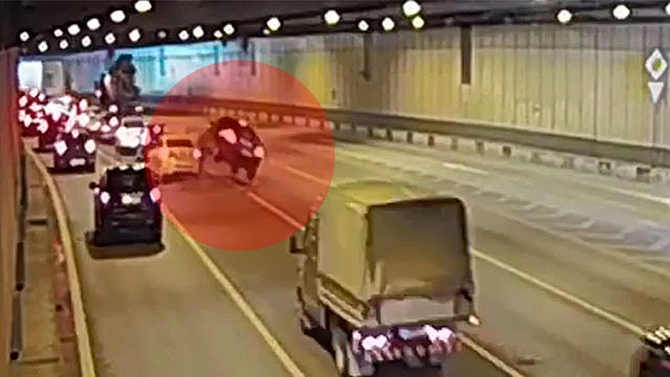 ДТП в московском тоннеле, из-за которого возникла пробка на 3 км, попало на видео