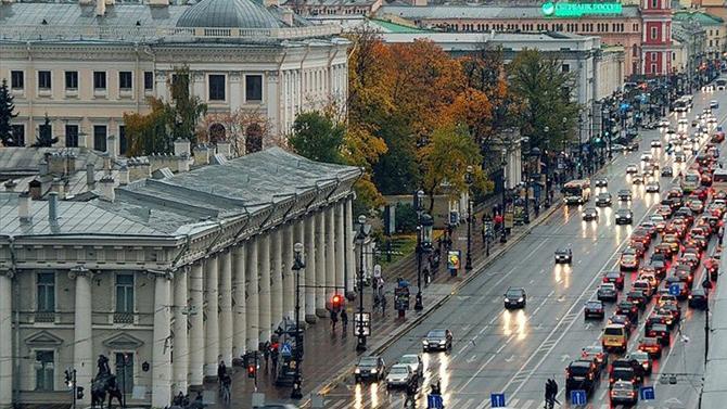 ВСанкт-Петербурге выбирают между платным въездом вцентр города иплатными парковками
