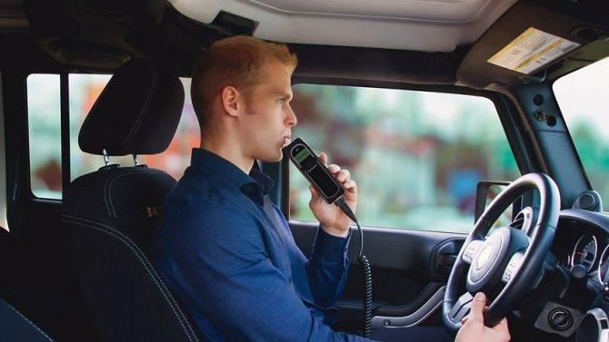 ВРоссии обсуждают обязательное оснащение автомобилей алкозамками