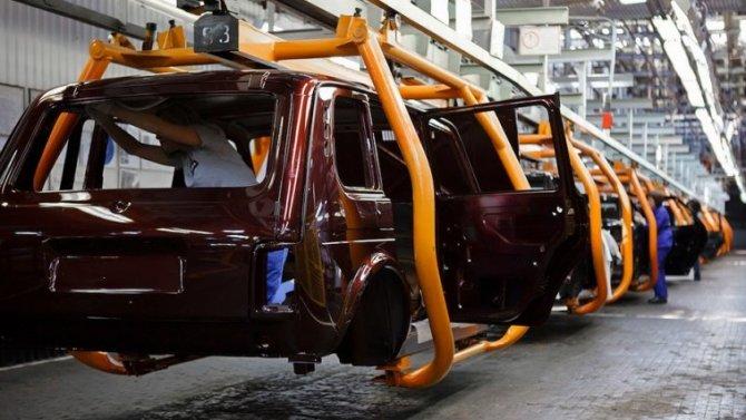 «АвтоВАЗ» уходит вотпуск досередины августа— ивТольятти, ивИжевске