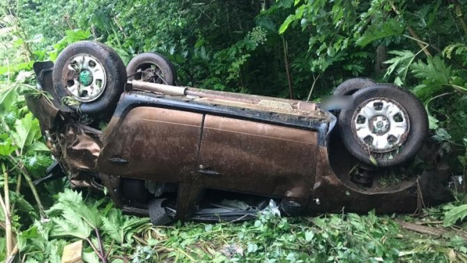 ВТверской области при опрокидывании автомобиля погиб водитель
