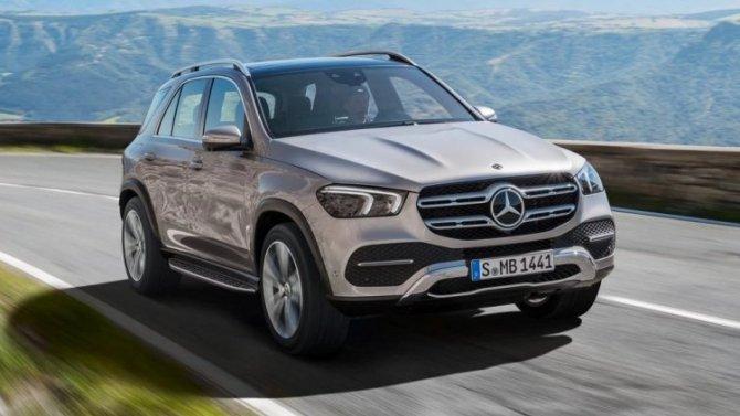 В России отзывают кроссоверы Mercedes-Benz