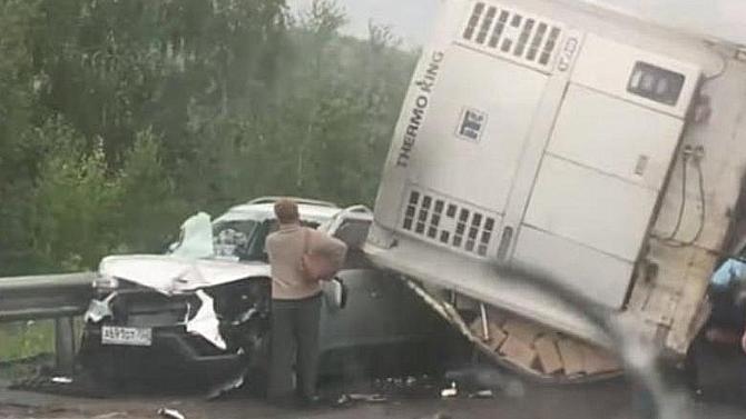 ВЧелябинской области большегруз прицепом сбил грузовик, водитель которого витоге погиб
