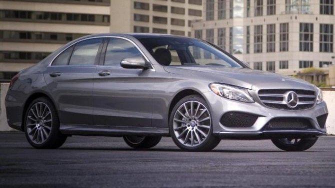 ВРоссии отзывают флагманские Mercedes-Benz