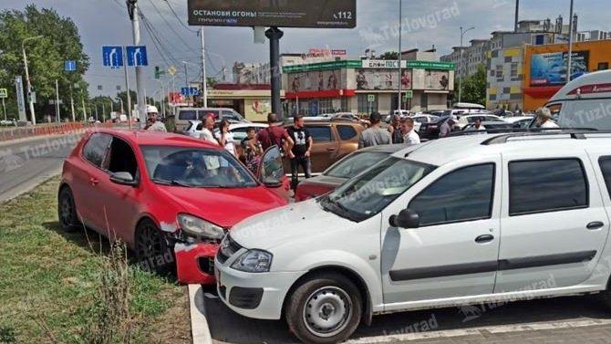 В Новочеркасске водитель потерял сознание за рулём и чудом не погиб