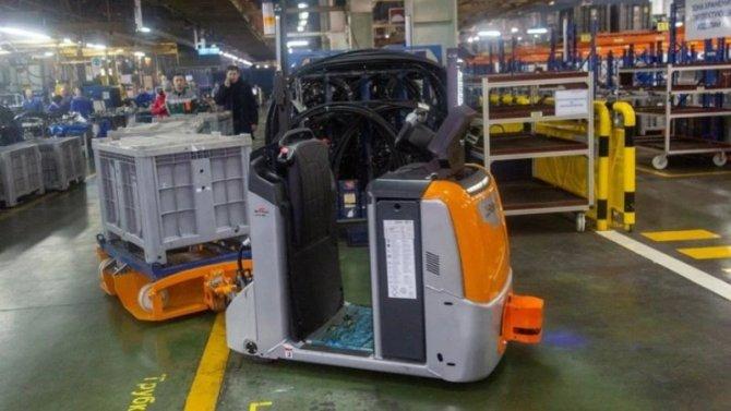 НаКамАЗе начали эксплуатацию роботов-тягачей