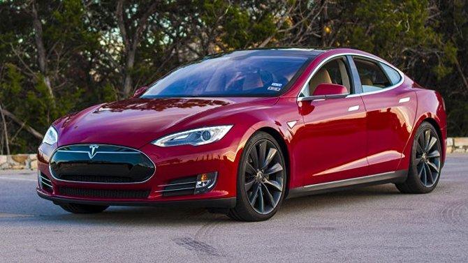 Tesla планирует рестайлинг двух моделей