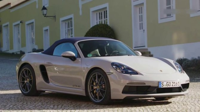 В России подорожали две модели Porsche