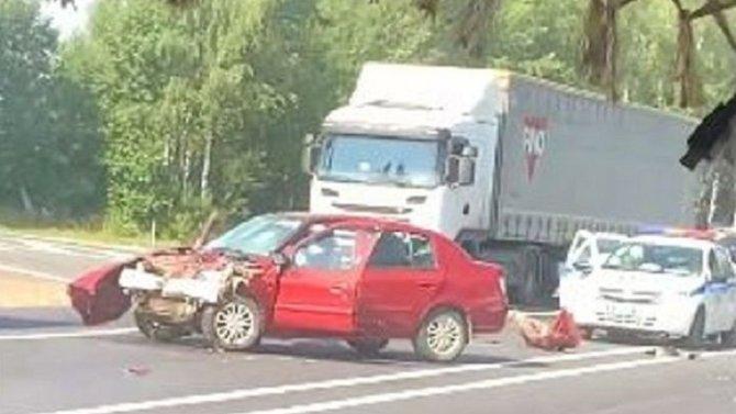 В ДТП на въезде в Ярославль погибла женщина