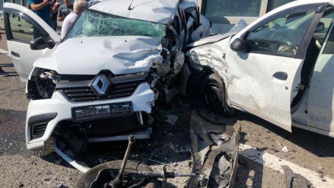 В массовом ДТП в Сочи погиб человек