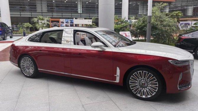 Самый роскошный китайский автомобиль получил удлинённую модификацию
