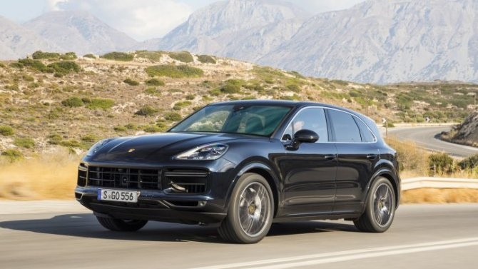 ВРоссии вновь отзывают кроссоверы Porsche Cayenne