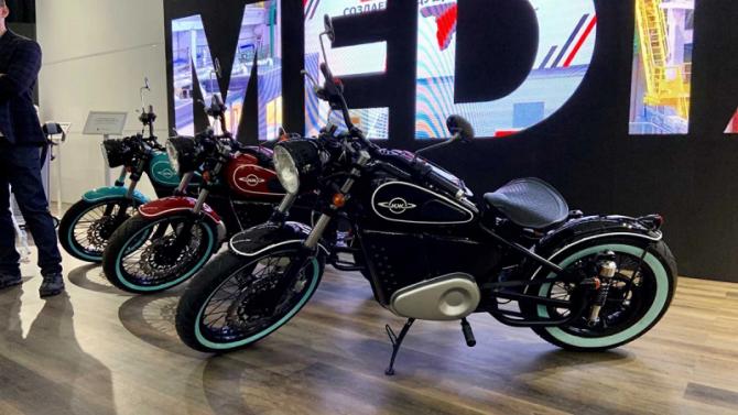 Концерн «Калашников» представил электроцикл в ретро-стиле