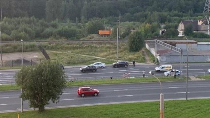 В Петербурге девушка за рулём Mercedes-Benz насмерть сбила 51-летнего пешехода