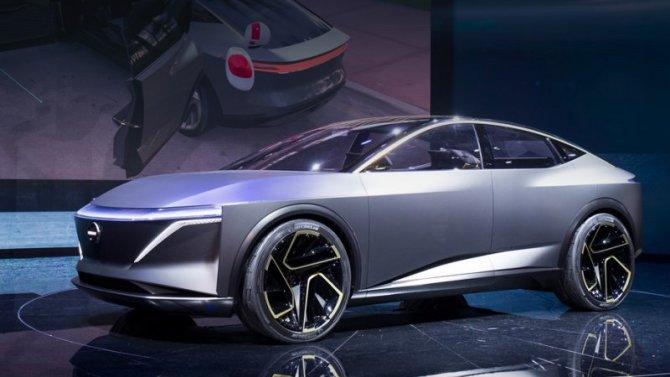Седан Nissan Maxima получит модификацию с электроприводом