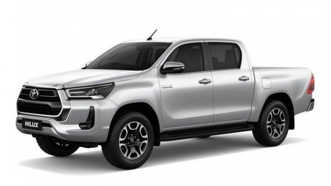 Начались российские продажи двух обновлённых моделей Toyota