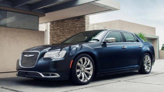 Рестайлинговый Chrysler 300 лишится двух комплектаций