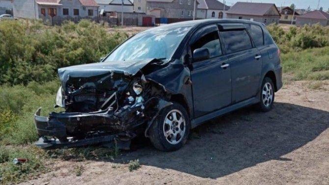 Два человека пострадали в ДТП с возгоранием под Астраханью