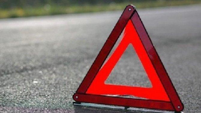 В Твери иномарка врезалась в столб – пострадала женщина