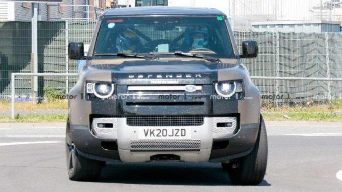 На «Нюрбургринге» появился Land Rover Defender V8