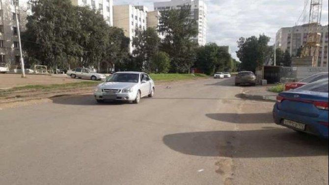 В Уфе автомобиль сбил 9-летнюю девочку