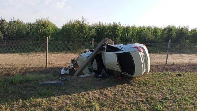 На Кубани иномарка врезалась в столб – водитель погиб