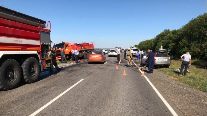 Три человека погибли в ДТП с бензовозом в Балашовском районе Саратовской области