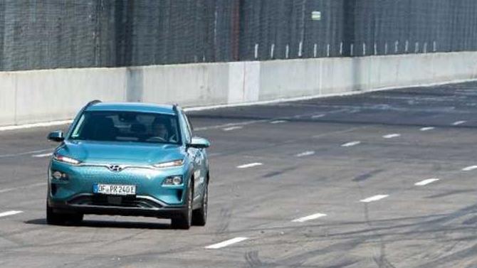 Электрический кроссовер Hyundai Kona поставил рекорд пробега наодной подзарядке