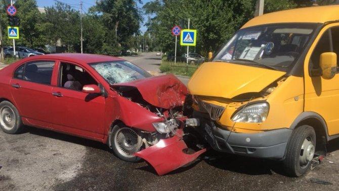 6-летняя девочка пострадала в ДТП с маршруткой в Георгиевске