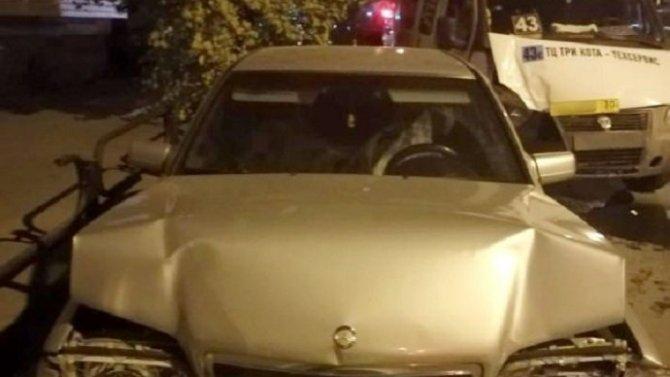 Шесть человек, в том числе ребенок, пострадали в ДТП в Астрахани