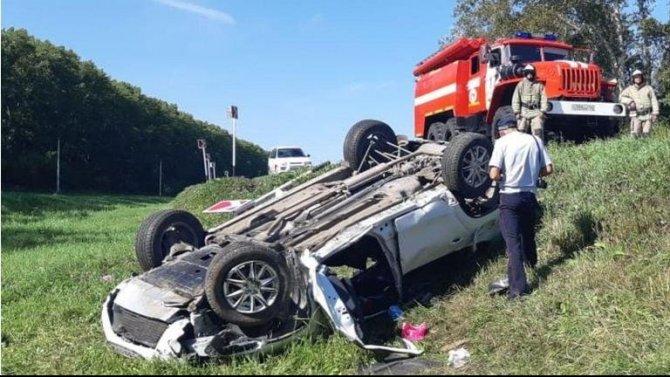 В Кемеровской области при опрокидывании машины погибли два человека