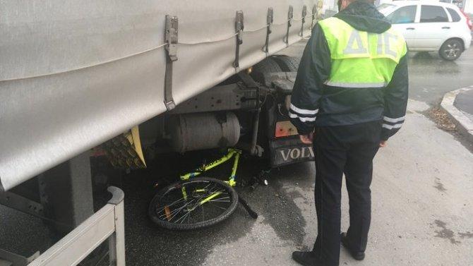 В Первоуральске грузовик насмерть сбил ребенка
