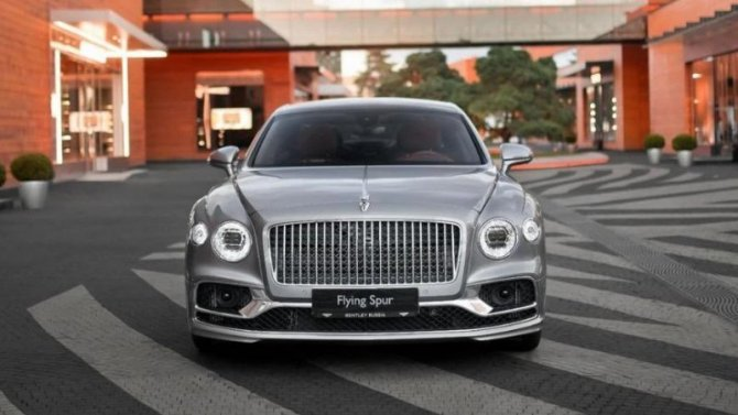 Начались российские продажи нового Bentley Flying Spur
