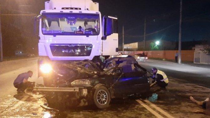 Парень и девушка погибли в ДТП в Новосибирске