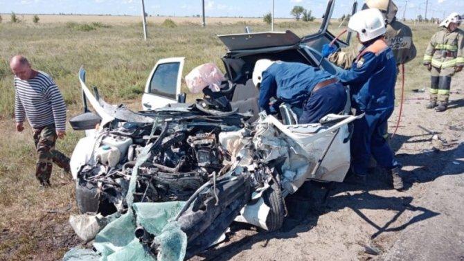 Три человека погибли в ДТП под Саратовом