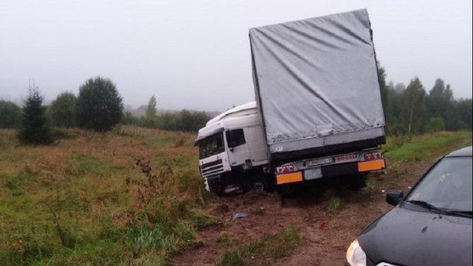 Водитель «Лады» погиб в ДТП в Смоленской области
