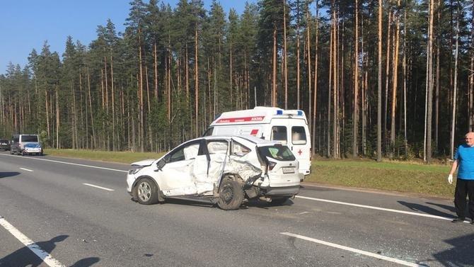 Четыре взрослых и ребенок пострадали в ДТП в Ленобласти