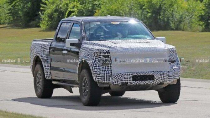 Моторный отсек нового Ford Raptor: кое-что прояснилось