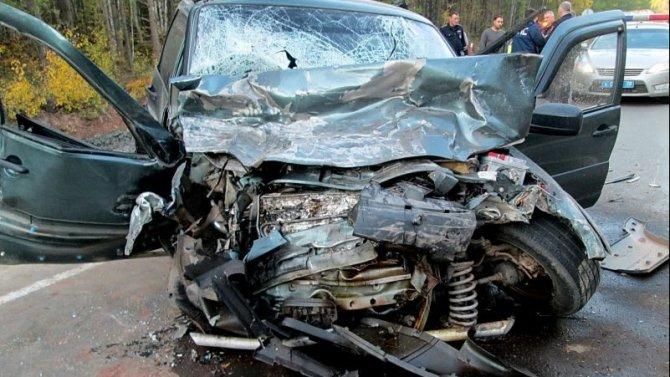 Два человека погибли в ДТП под Братском