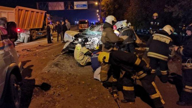 Семья из четырех человек погибла в ДТП в Барнауле